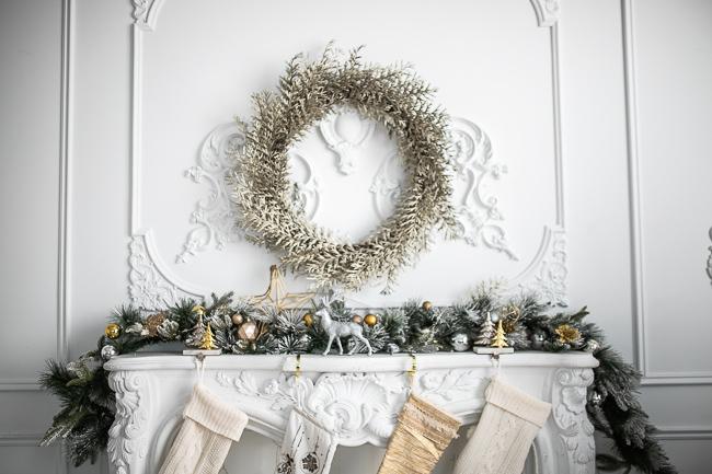 10 stylish indoor Christmas Decorating Ideas, Greenery garland