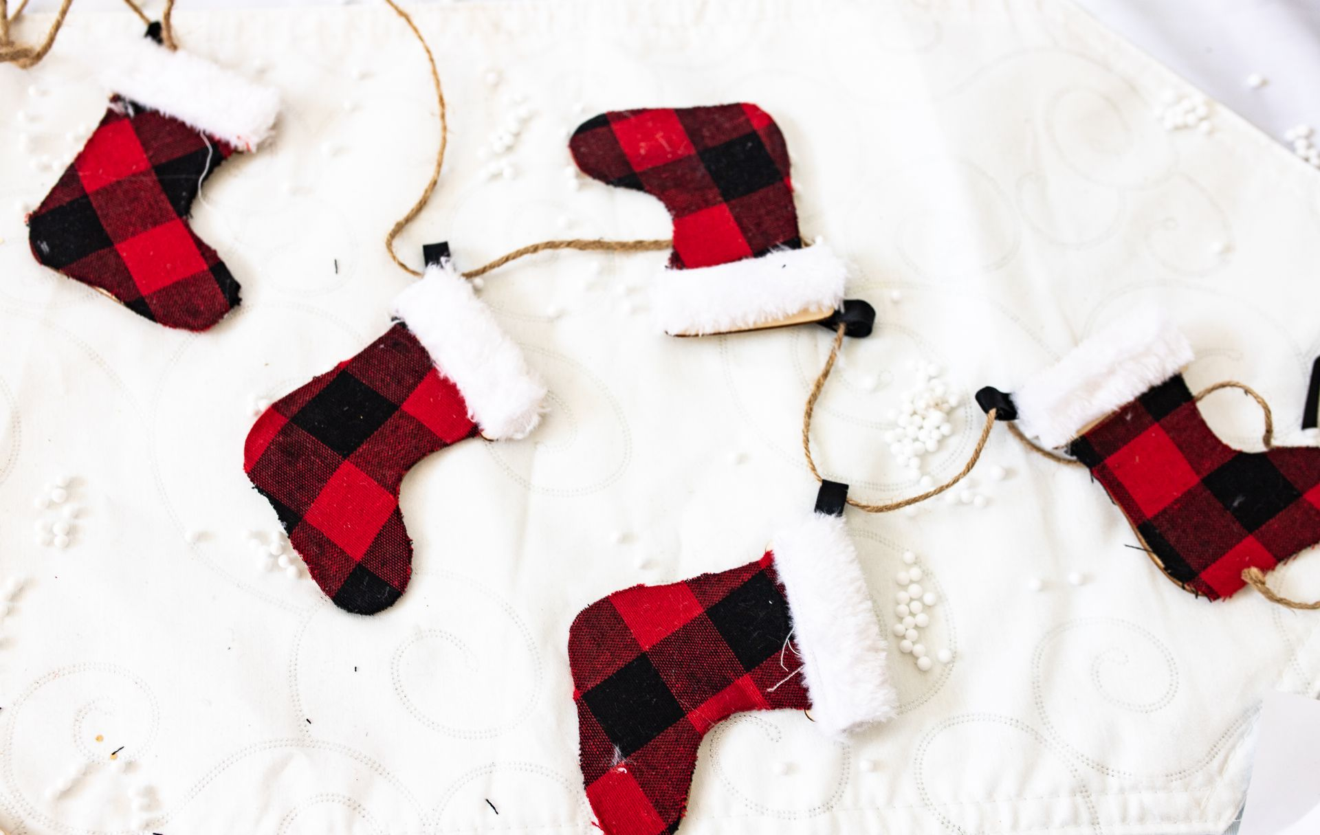 Easy DIY Christmas Garland Mini Stockings
